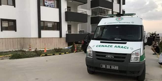 Balkondan düşen 4 yaşındaki çocuk öldü