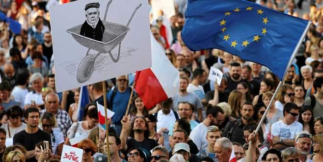 Polonya'da 'yargı reformu' ayaklanması