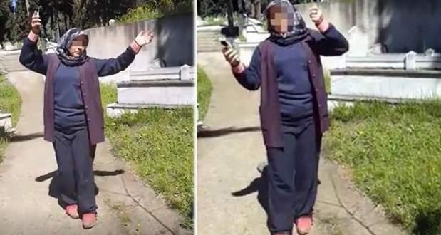 Mezarlıkta göbek atan 2 kadın işten atıldı