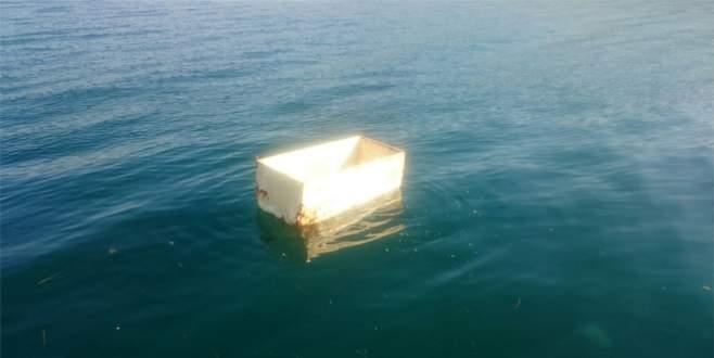 Bursa'da denizden buzdolabı çıktı