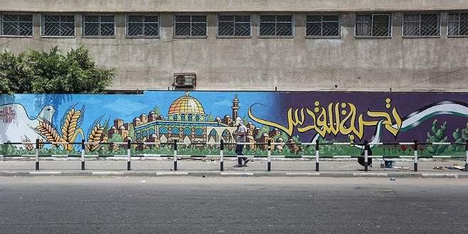 Duvar resimleriyle Kudüs ve Mescid-i Aksa'ya destek mesajı