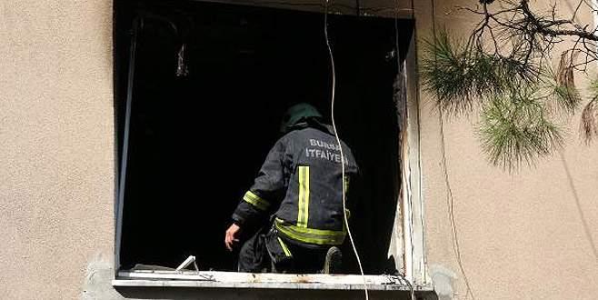 Klimadan çıkan yangında 11 kişi dumandan etkilendi