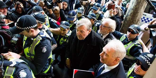 Avustralya Kardinali George Pell, mahkemede suçlamaları reddetti