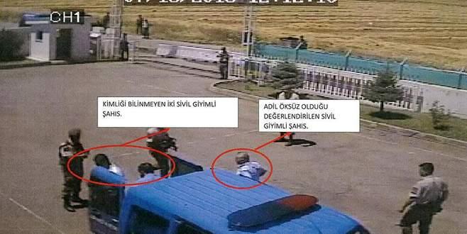 Adil Öksüz'ün karakola getirilme görüntüleri ortaya çıktı