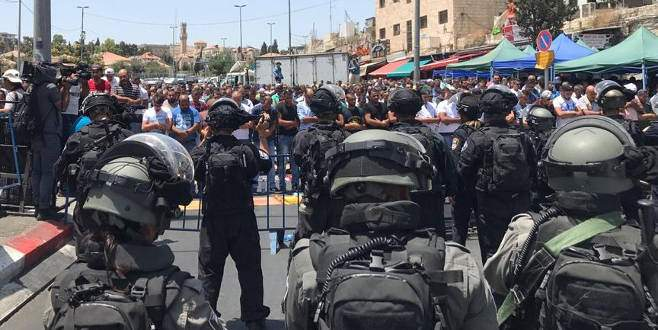 İsrail'den Filistinlilere Mescid-i Aksa'da cuma engeli