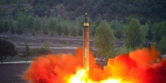 Kuzey Kore'nin fırlattığı füze Japonya'ya düştü!