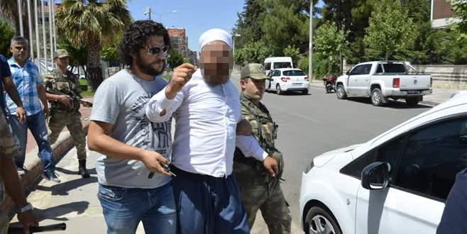 Şanlıurfa'da Atatürk heykeline saldırı