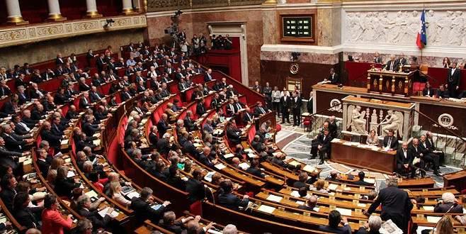 Fransa'da uzmanlar yeni Terörle Mücadele Yasası'nı yetersiz buluyor