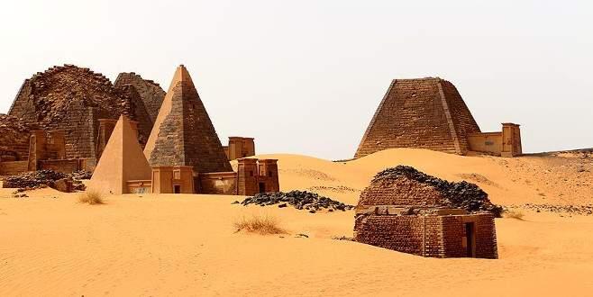 Sudan'ın 'saklı hazinesi' piramitler keşfedilmeyi bekliyor