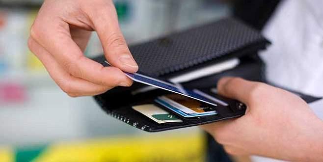 Kredi kartlarına çok fazla yüklenmeyin