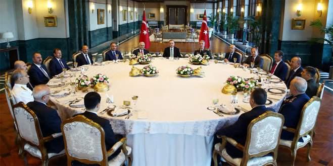 Erdoğan, YAŞ üyeleri onuruna yemek verdi