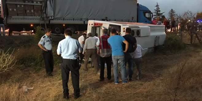 Samsun'da halk otobüsü ile TIR çarpıştı: 28 yaralı