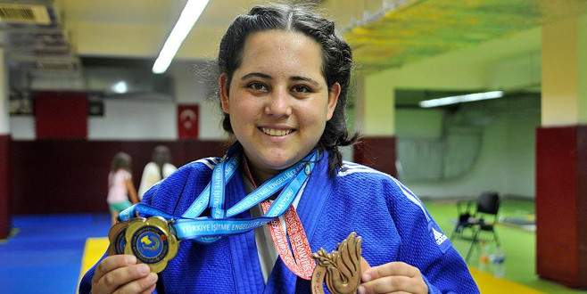 Zayıflamak için başladığı judoda olimpiyat madalyası kazandı