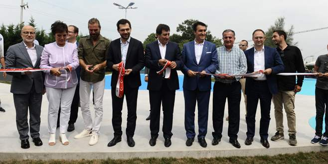 Uluslararası ilk kaykay parkı Bursa'da açıldı