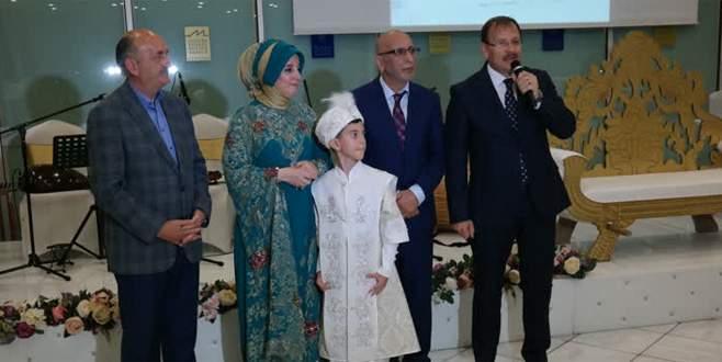 Hakan Çavuşoğlu, sünnet düğününe katıldı