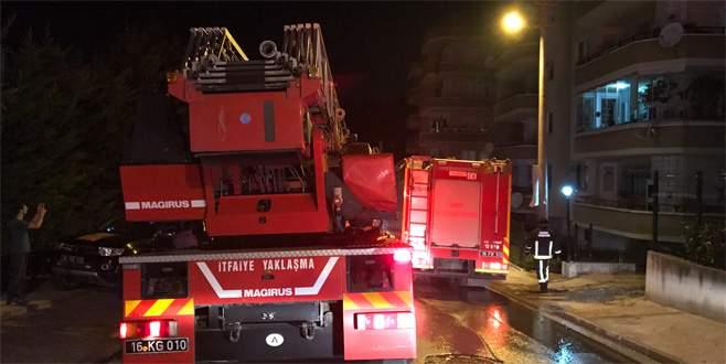 Bursa'da yangını fark eden site sakini faciayı önledi
