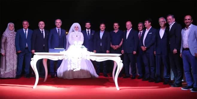 Hakan Çavuşoğlu, iki ayrı düğün törenine katıldı