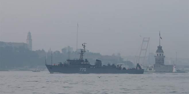 Rus savaş gemisi Boğaz'dan böyle geçti