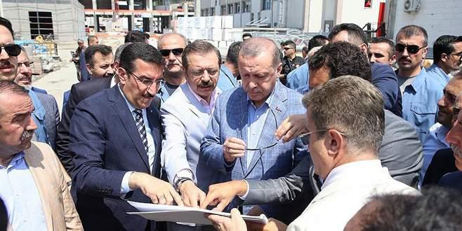 Erdoğan, Sarp Sınır Kapısı ve Ovit Tüneli'ni inceledi