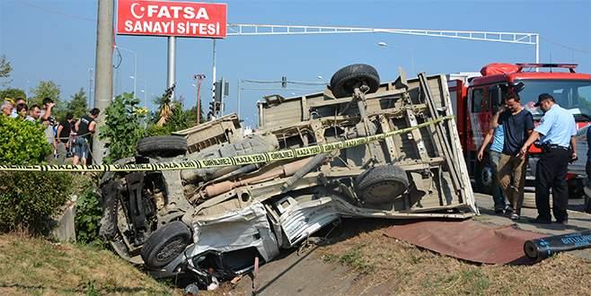 Bursa'dan giden otobüs kamyonetle çarpıştı: 8 yaralı