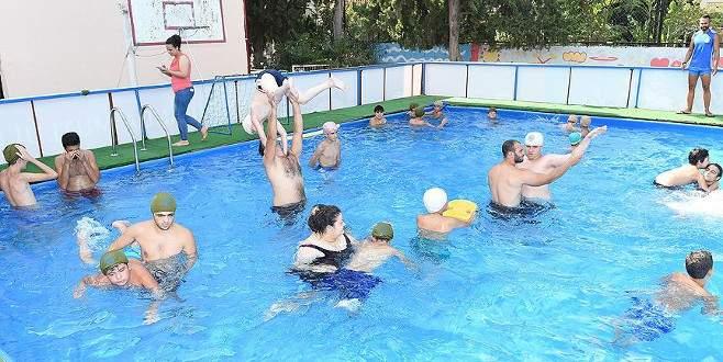 Adana'da engellilere yüzme havuzu hizmeti