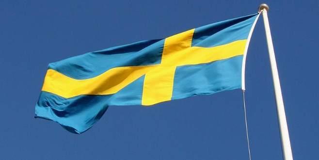 İsveç'te gösteri yapan sığınmacı çocuklar ırkçı bir grubun saldırısına uğradı