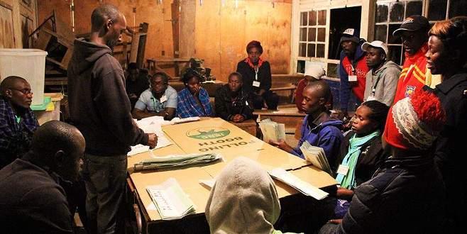 Kenya'da oy sayımı bitmeden tartışmalar başladı