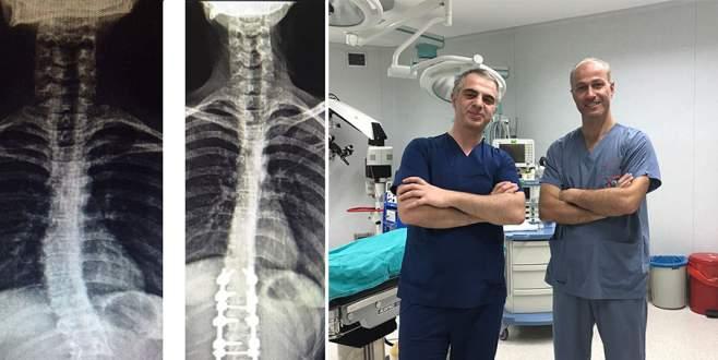 Bursa'da omurga eğriliği ameliyatları başladı