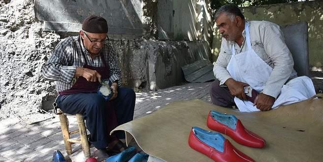 Suriyeli ayakkabı ustası 70 yaşında yemeniciliği öğrendi