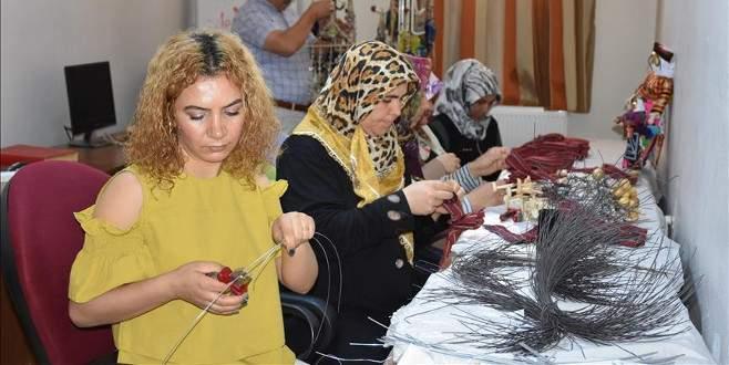 Kadınlar hem kazanıyor hem de kültürlerini yaşatıyor