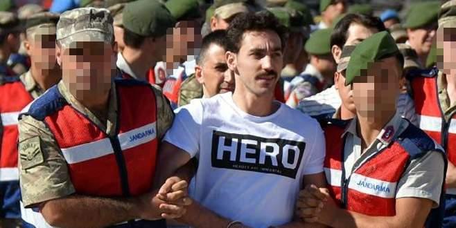 'Hero' tişörtüne dava ve açığa alma