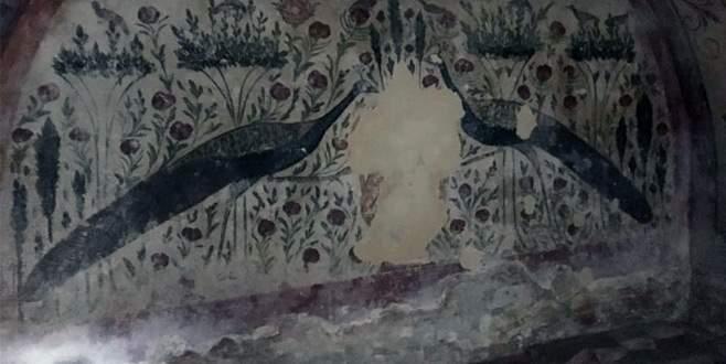 Oda mezar defineciler tarafından talan edildi