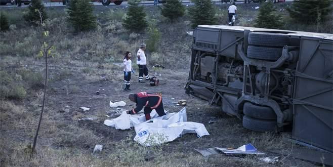 Yolcu otobüsü şarampole uçtu: 4 ölü, 18 yaralı