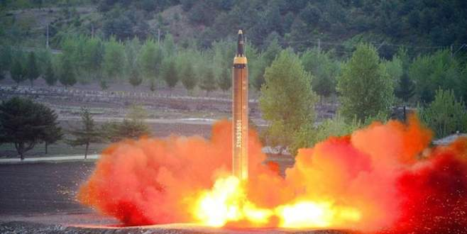 Kuzey Kore, Japonya'ya füze fırlattı!