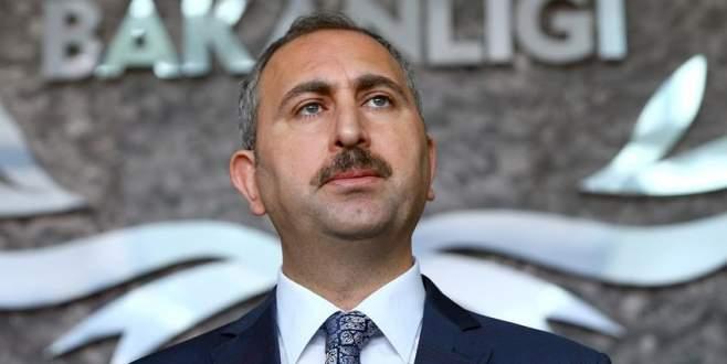 Adalet Bakanı'ndan Adil Öksüz açıklaması
