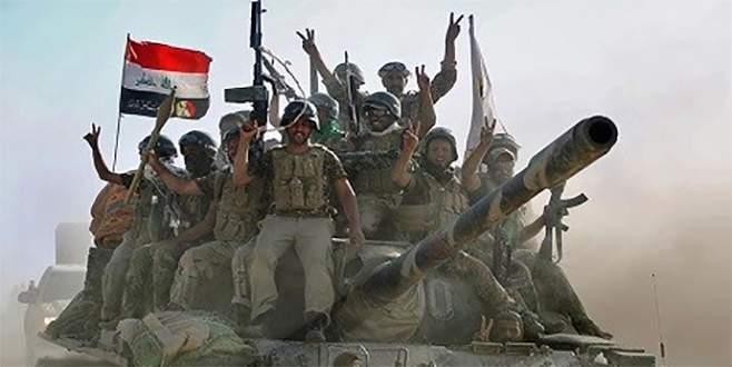 Telafer Kalesi'ne Irak bayrağı çekildi