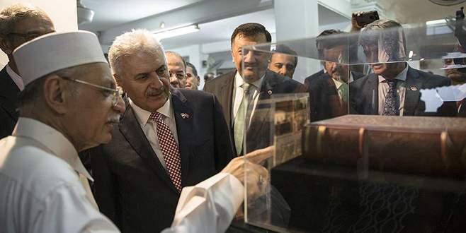 Başbakan Yıldırım'dan tarihi camiye ziyaret