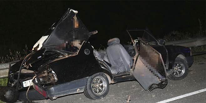 Feci kaza! Hafriyat kamyonu ile otomobil çarpıştı: 2 ölü