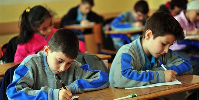 Okullarda Arnavutça ve Boşnakça dönemi