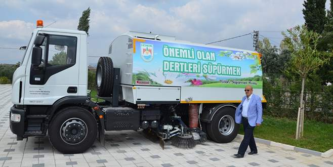 İznik'in araç filosuna temizlik kamyonu