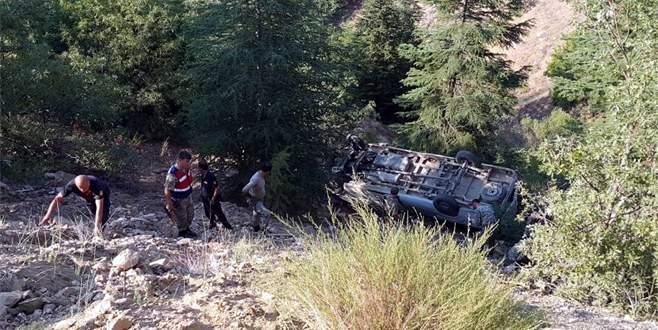 Minibüs uçuruma düştü: 1 ölü