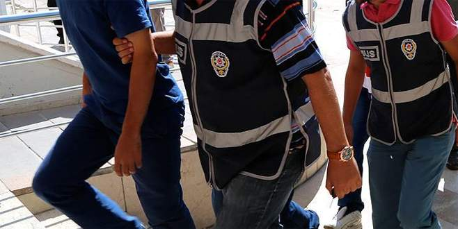 FETÖ'nün 'askeri mahrem' yapılanmasına operasyon: 17 gözaltı