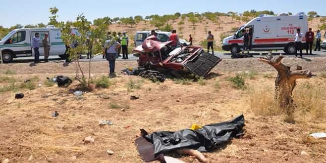Katliam gibi kaza! 5 ölü, 3 yaralı…
