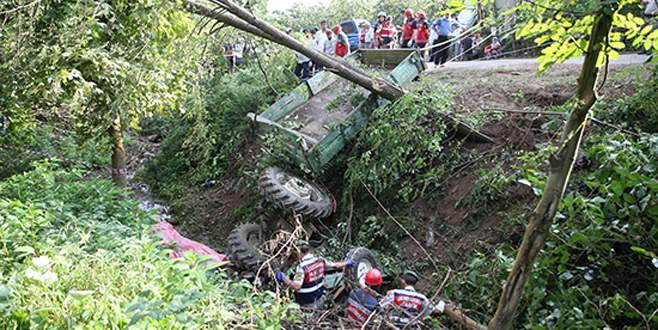 İşçileri taşıyan traktör devrildi: 7 ölü, 9 yaralı