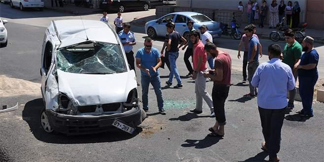 Bursa'da yola düşen koltuk iskeleti kazaya sebep oldu