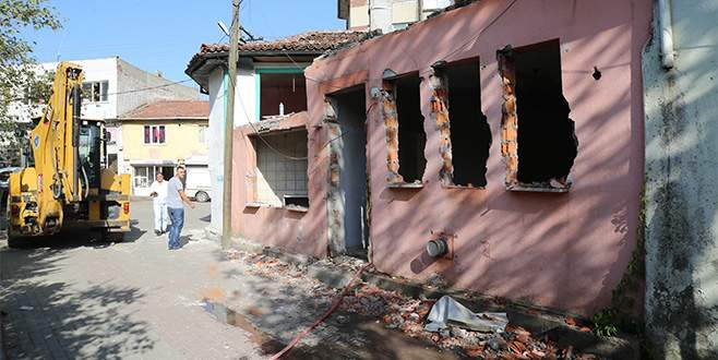Bursa'da yapı stoğu yıkımlarla güçleniyor