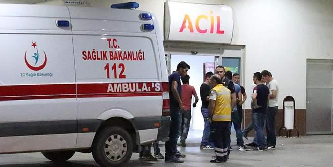 Teröristler minibüse ateş açtı: 3 ölü, 2 yaralı