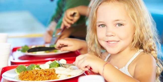 Çocuğun beslenmesini hafife almayın
