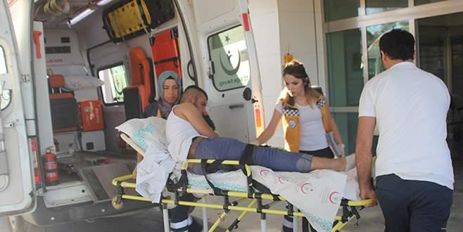 Yürürken yoldan geçen otomobilden ateş açılıp yaralandı