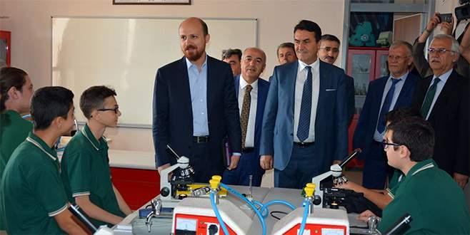 Bilal Erdoğan Bursa'da öğrencilerle bir araya geldi